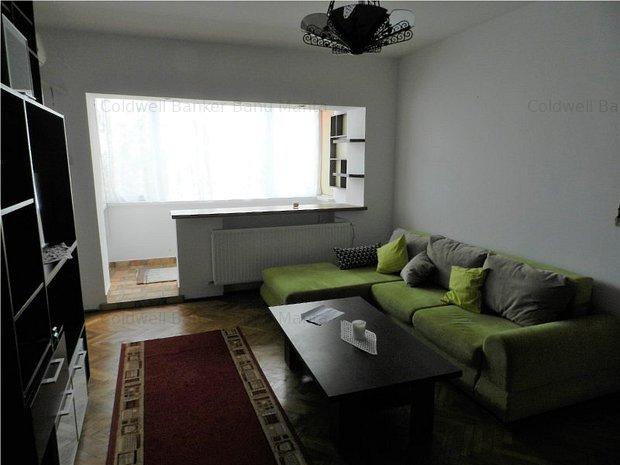 Apartament 2 camere zona Hala Traian: .
