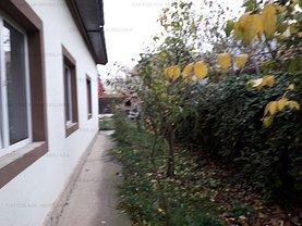 Casa de închiriat 3 camere, în Bucuresti, zona Damaroaia