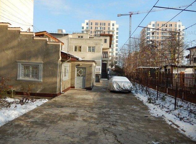 Uverturii stradal - 673 mp/deschidere 12 ml, urbanism P+14, POT 70% - imaginea 1