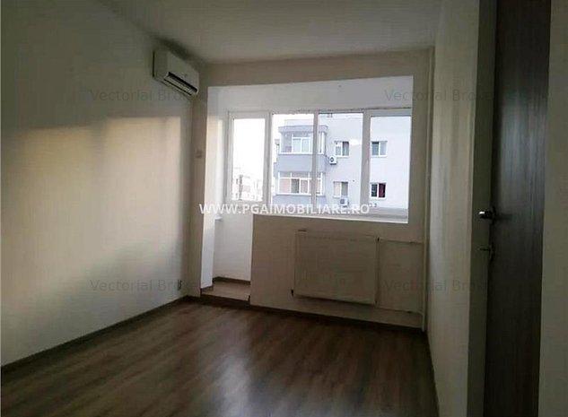Apartament renovat integral Basarabia- Diham - imaginea 1