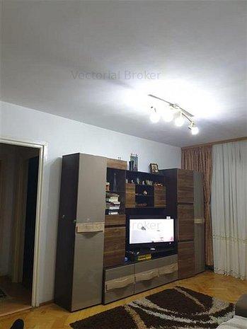 Vanzare apartament 2 camere zona Pantelimon Ferdinand - imaginea 1