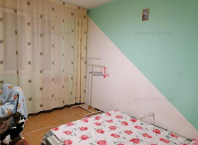 Vanzare Apartament 3 camere Pantelimon Mega Mall - imaginea 1