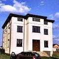 Casa de vânzare 8 camere, în Otopeni