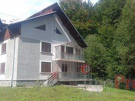 Casa de vânzare 11 camere, în Cheia