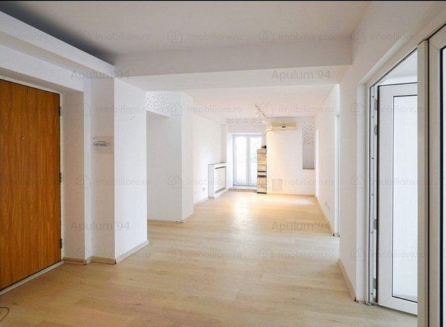 Vanzare apartament 3 camere Bulevardul Unirii-stradal - imaginea 1
