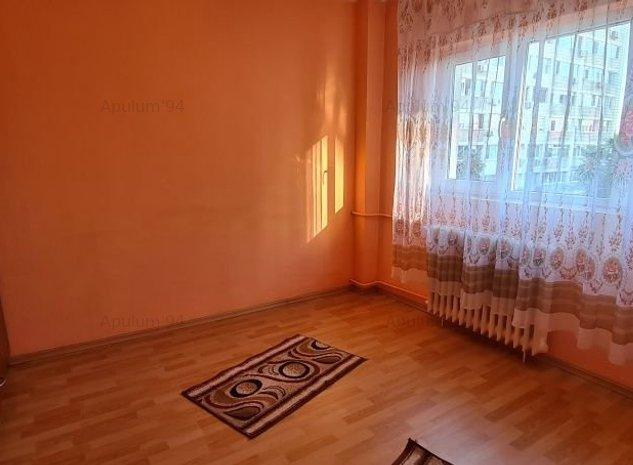 Vanzare apartament 2 camere Basarabia-Campia Libertatii - imaginea 1