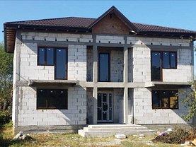 Casa de vânzare 4 camere, în Săbăreni