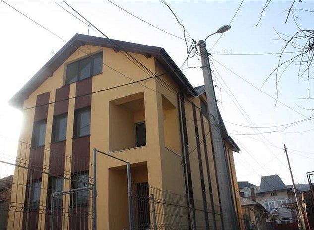 Pucioasa, vila in centrul localitatii, ideal pensiune sau camin - imaginea 1