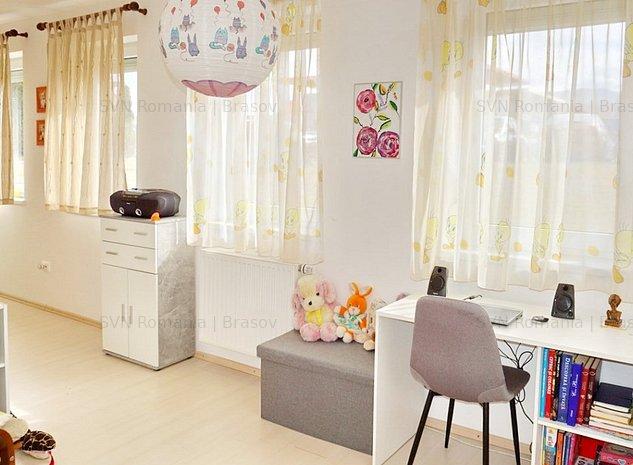 Apartament 100 mp Pretabil Spatiu Comerc: 3 camere
