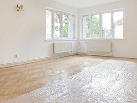 Apartament de închiriat 3 camere, în Brasov, zona Centrul Istoric