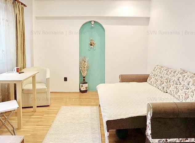 Apartament Semimobilat: dormitor openspace cu livingul