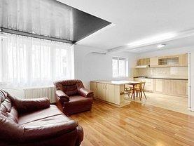 Apartament de închiriat 3 camere, în Braşov, zona Răcădău