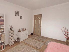 Apartament de vânzare 2 camere, în Braşov, zona Calea Bucureşti