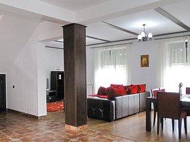 Casa de închiriat 4 camere, în Poiana Braşov