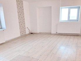 Casa de vânzare 3 camere, în Halchiu