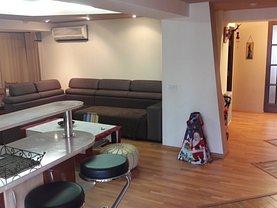Apartament de vânzare 4 camere, în Focsani, zona Central
