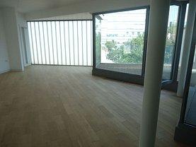 Penthouse de vânzare 3 camere, în Bucuresti, zona Universitate