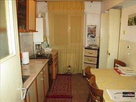 Apartament de vânzare 3 camere, în Focşani, zona Gară