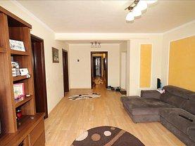 Apartament de vânzare 3 camere, în Focşani, zona Est