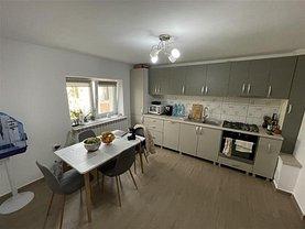 Apartament de vânzare 4 camere, în Focşani, zona Gară