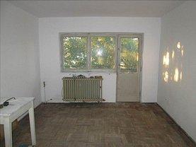 Apartament de vânzare 3 camere, în Focsani, zona Sud