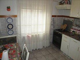 Apartament de vânzare 4 camere în Focsani, Est