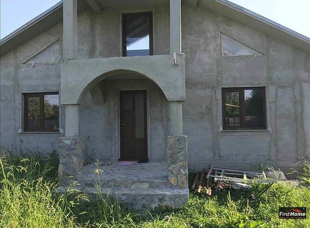 Casa in Unirea Odobesti - strada principala - imaginea 1
