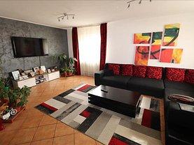 Casa de vânzare 4 camere, în Golesti, zona Central