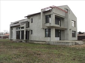 Casa de vânzare 8 camere, în Focsani, zona Est