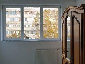 Apartament de vânzare 4 camere, în Bucureşti, zona Zeţarilor