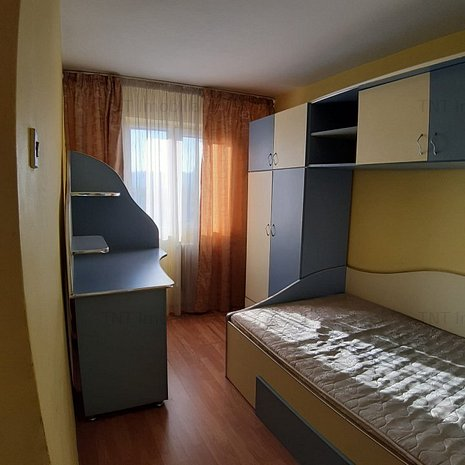 Apartament 2 camere Podul Ros - imaginea 1