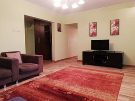 Apartament de închiriat 4 camere, în Iaşi, zona Tătăraşi