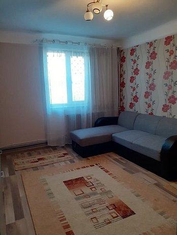 Apartament 2 camere semidecomandat de inchiriat zona Podu Ros - imaginea 1