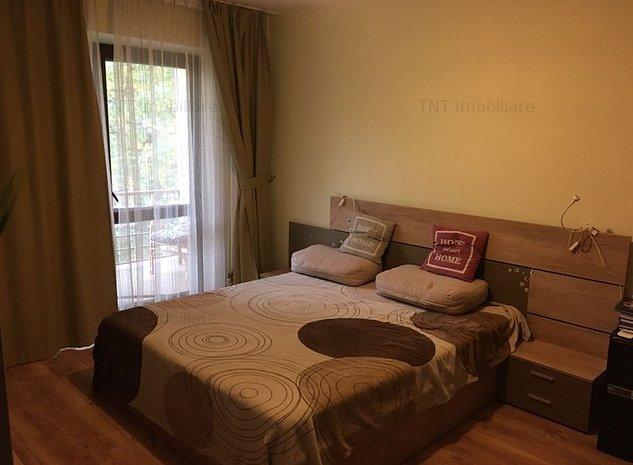 Apartament  3 camere semidecomandat de inchiriat zona Podu Ros - imaginea 1