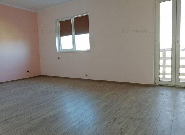 Casa cu 7 camere la 200 mp utili si 700mp teren la 650euro ! - imaginea 1