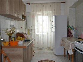 Apartament de vânzare 4 camere în Iasi, Dacia