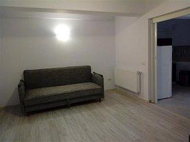 Apartament de închiriat 3 camere în Valea Lupului, Central