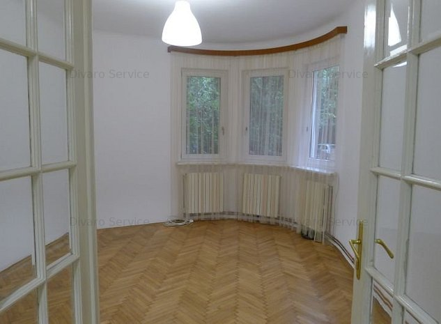 Inchiriere apartament 3 camere D+P imobil renovat curte Cotroceni metrou Eroilor - imaginea 1
