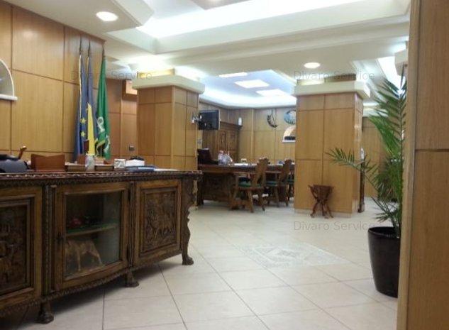 Spatiu de birouri 200mp cu garaj situat central cartierul Armenesc - imaginea 1