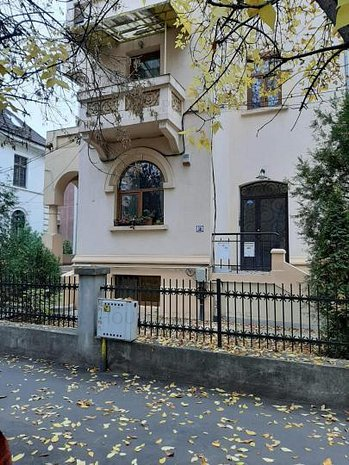 Apartament 5 camere, Dorobanti, Capitale, birou, clasa C - imaginea 1