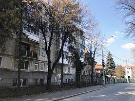 Apartament de închiriat 2 camere, în Ploieşti, zona Eminescu