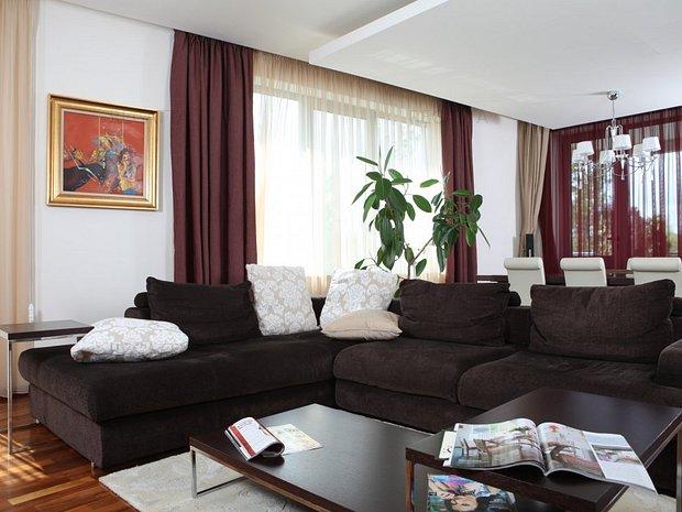Apartament vedere padure Baneasa cu piscina si 2 locuri de parcare - imaginea 1