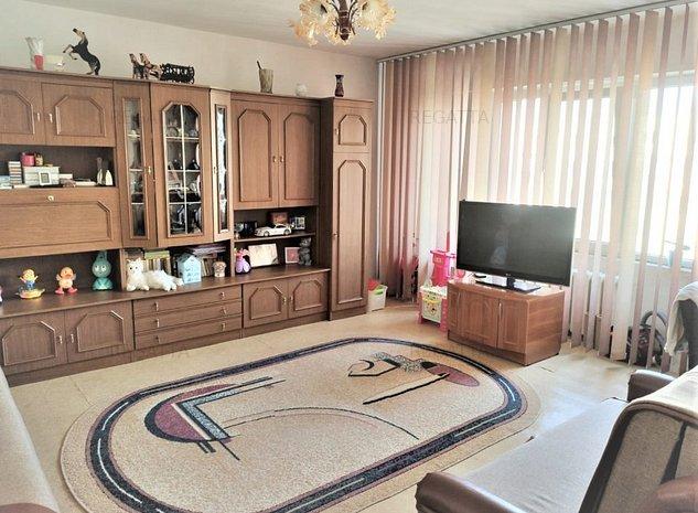 Apartament doua camere de vanzare - imaginea 1