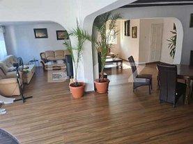 Casa de vânzare 7 camere, în Arad, zona Aradul Nou