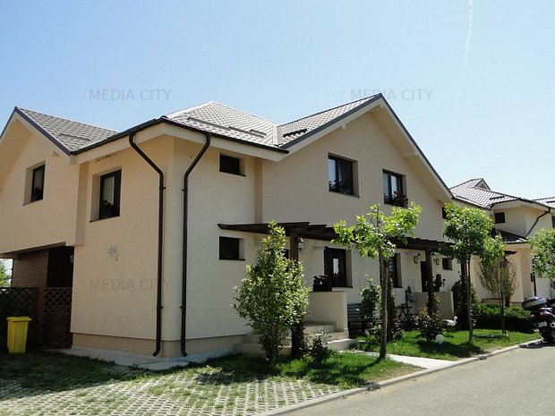 ECONOMISESTE 3,000 Euro pentru vila duplex, in luna august! - imaginea 1