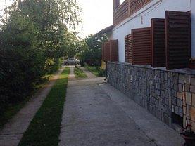 Casa de închiriat 6 camere, în Ţânţăreni