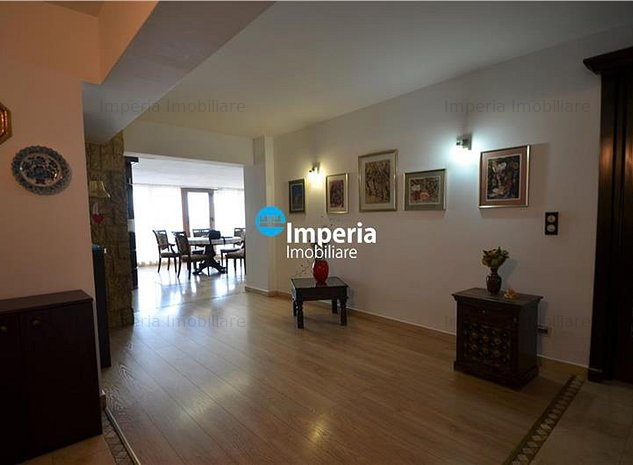 Inchiriez apartament 4 camere, decomandat, in zona Centru - Bl Stefan cel Mare - imaginea 1