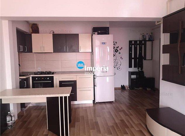 Apartament 3 camere semidecomandat, de vanzare, Alexandru cel Bun, confort 1 - imaginea 1