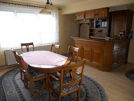 Apartament de închiriat 3 camere, în Târgu Mureş, zona Ultracentral