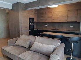 Apartament de închiriat 4 camere, în Târgu Mureş, zona Central